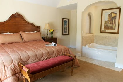 Guestroom | King's Creek Plantation