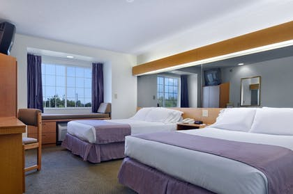 Guestroom | Microtel Inn & Suites by Wyndham Plattsburgh