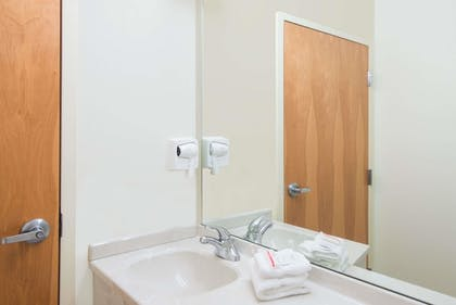 Bathroom | Microtel Inn & Suites by Wyndham Plattsburgh