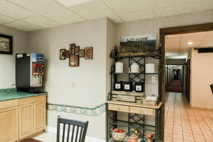 In-Room Kitchen | Hotel Pigeon Forge