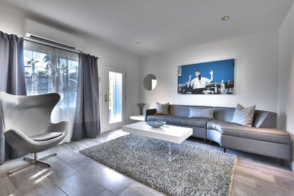 Living Room | The Palm Springs Hotel