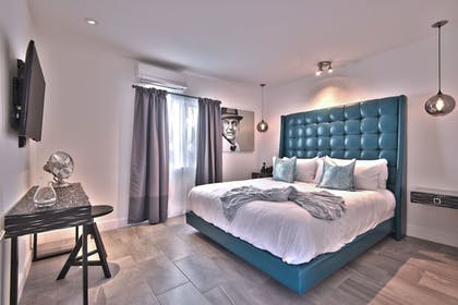 Guestroom | The Palm Springs Hotel