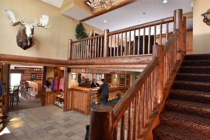 Staircase | Stoney Creek Quincy