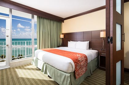 Guestroom | Newport Beachside Resort