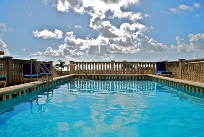 Pool | The Fritz Hotel