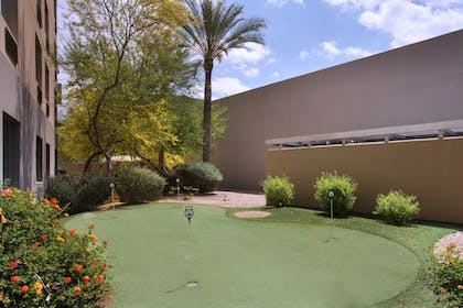 Sports Facility | Holiday Inn Hotel & Suites Scottsdale North - Airpark
