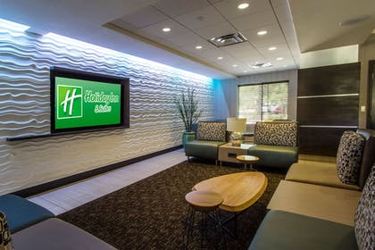 Lobby | Holiday Inn Hotel & Suites Scottsdale North - Airpark