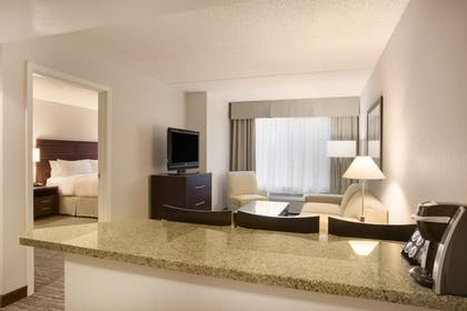 Guestroom | Holiday Inn Hotel & Suites Scottsdale North - Airpark