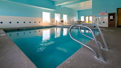Pool | Best Western Plus Grapevine Inn