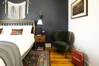 Guestroom   The Armstrong Hotel