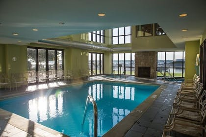 Indoor Pool | Shoreline Inn & Conference Center an Ascend Collection Hotel