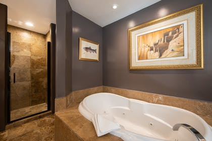 Jetted Tub | A Sunset Chateau
