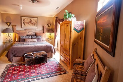 Guestroom | A Sunset Chateau