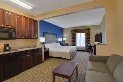Guestroom | Holiday Inn Express Tower Center