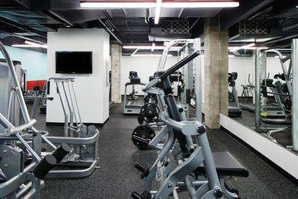 Fitness Facility | Club Quarters Hotel in Houston