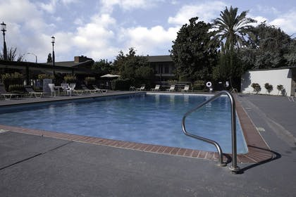 Outdoor Pool | Lamp Liter Inn