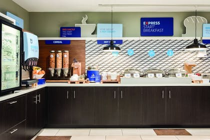 Breakfast buffet | Holiday Inn Express Hotel & Suites Lawton-Fort Sill