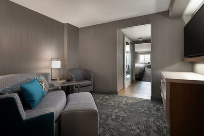 Guestroom | Courtyard Denver Airport at Gateway Park