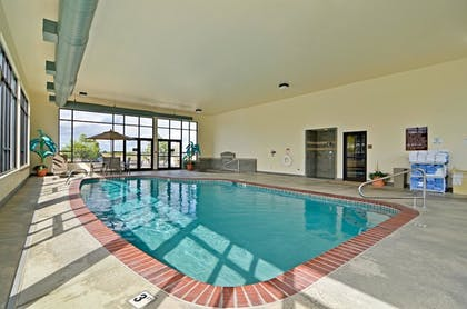 Pool | Best Western Plus Pasco Inn & Suites