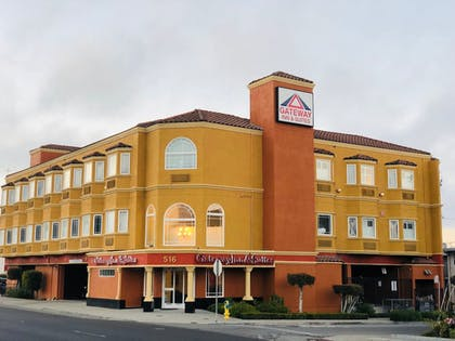 Featured Image | Gateway Inn and Suites Hotel