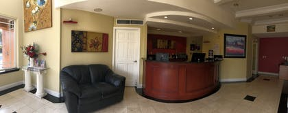 Lobby | Gateway Inn and Suites Hotel