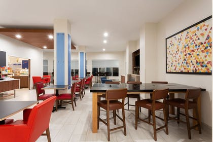Restaurant | Holiday Inn Express Hotel & Suites Tampa-Fairgrounds-Casino