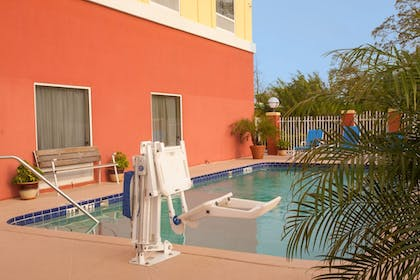 Pool | Holiday Inn Express Hotel & Suites Tampa-Fairgrounds-Casino