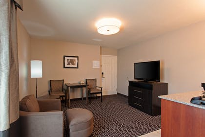 Living Area | Holiday Inn Express Lancaster
