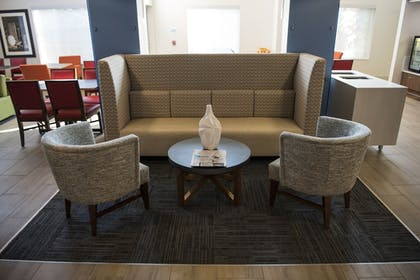 Lobby | Holiday Inn Express Hotel & Suites Lexington-Downtown