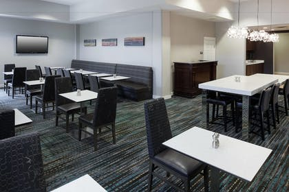 Breakfast Area | Residence Inn by Marriott Fort Worth Cultural District