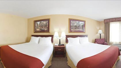 Guestroom | Holiday Inn Express & Suites Maryville