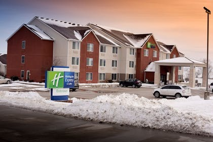Exterior | Holiday Inn Express & Suites Maryville