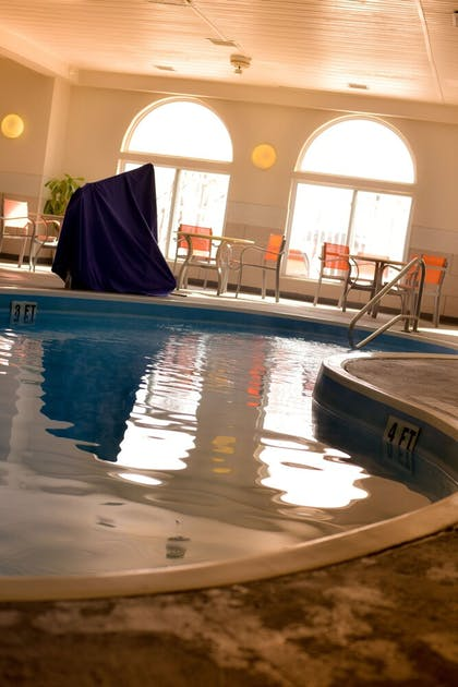 Pool | Holiday Inn Express & Suites Maryville