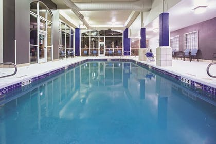 Pool | La Quinta Inn & Suites by Wyndham Gallup