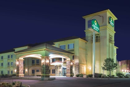 Featured Image | La Quinta Inn & Suites by Wyndham Gallup