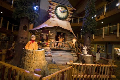 Lobby | Great Wolf Lodge Sandusky OH