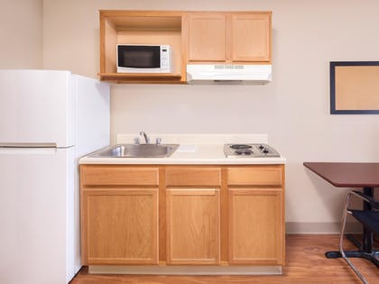 In-Room Kitchen | WoodSpring Suites Bentonville
