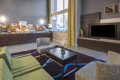 Restaurant | Holiday Inn Express Hotel & Suites Livermore