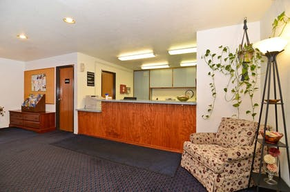 Lobby | Americas Best Value Inn Sault Ste. Marie