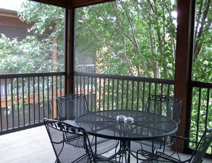 Terrace/Patio | Westgate Branson Woods Resort and Cabins