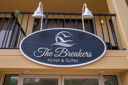 Exterior detail | The Breakers Hotel & Suites