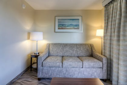 Living Area | The Breakers Hotel & Suites
