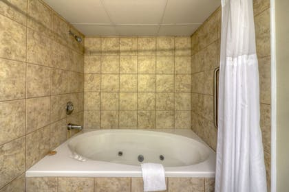 Jetted Tub | The Breakers Hotel & Suites