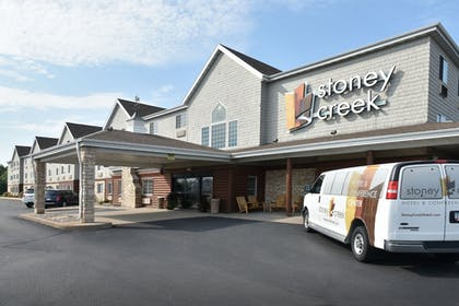 Airport Shuttle | Stoney Creek Hotel & Conference Center Wausau