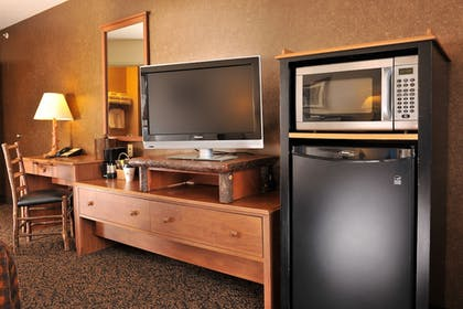 Guestroom | Stoney Creek Hotel & Conference Center Wausau