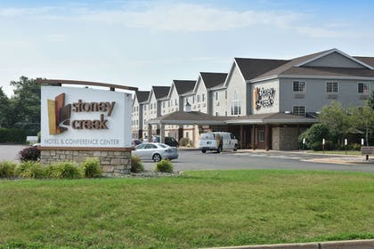 Building design | Stoney Creek Hotel & Conference Center Wausau