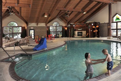 Pool | Stoney Creek Hotel & Conference Center Wausau