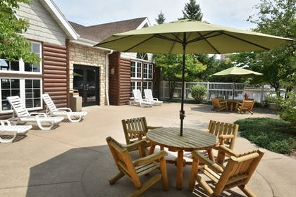 Courtyard | Stoney Creek Hotel & Conference Center Wausau