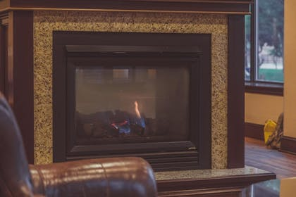 Fireplace | The Parkview Hotel, BW Premier Collection