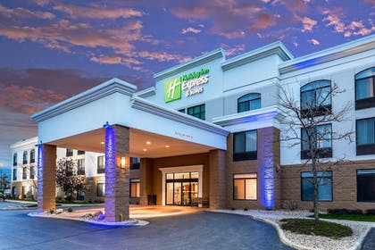 Featured Image | Holiday Inn Express & Suites Cedar Falls - Waterloo